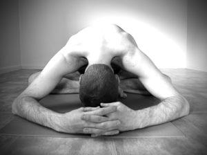 Prevenir el dolor con el Yoga.